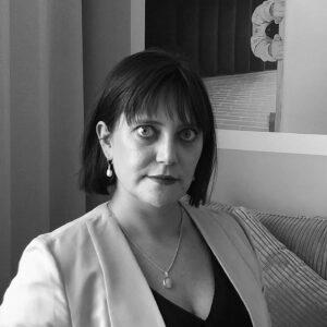 Styrelseledamoten Malin Hägg porträttbild i svartvitt.